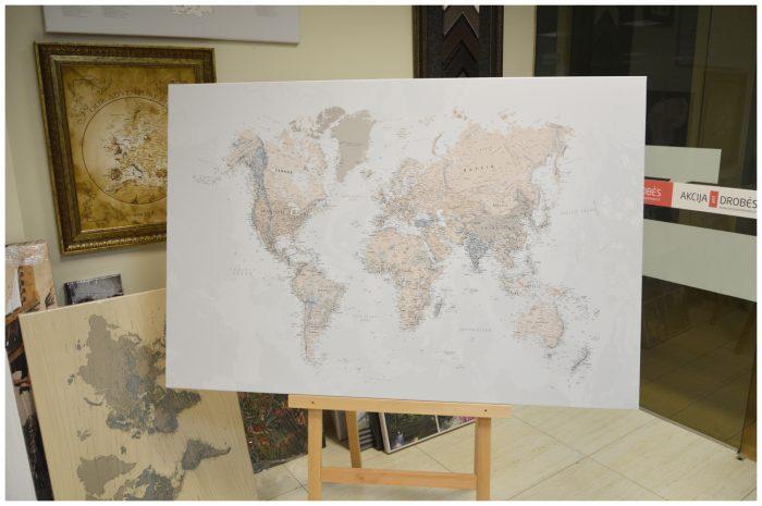 Žemėlapiai ant drobės su smeigtukais www.tripmaker.lt