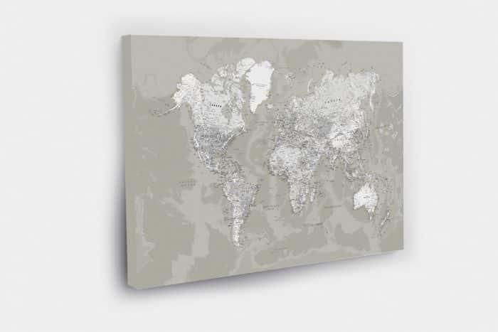 Keliautojo žemėlapis su smeigtukais detalus