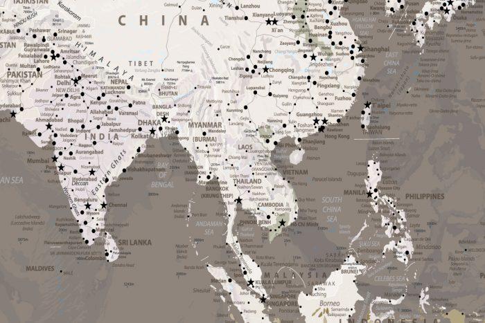 Rudas pasaulio žemėlapis ant drobės