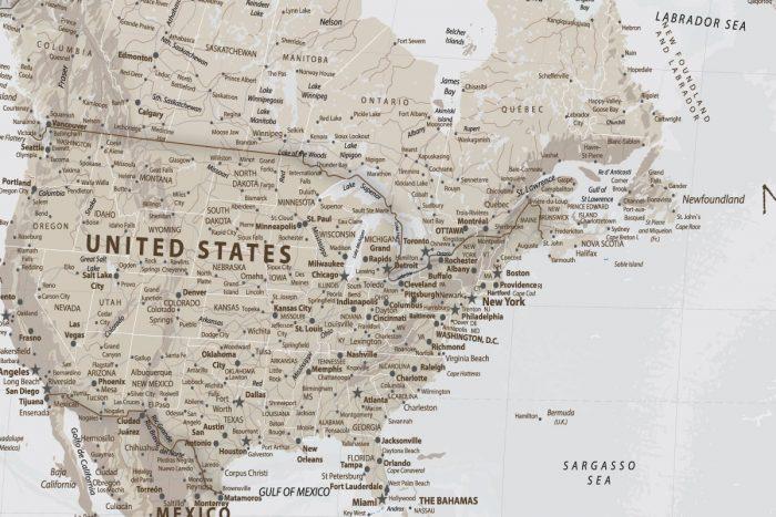 Šviesiai rusvas žemėlapis ant drobės