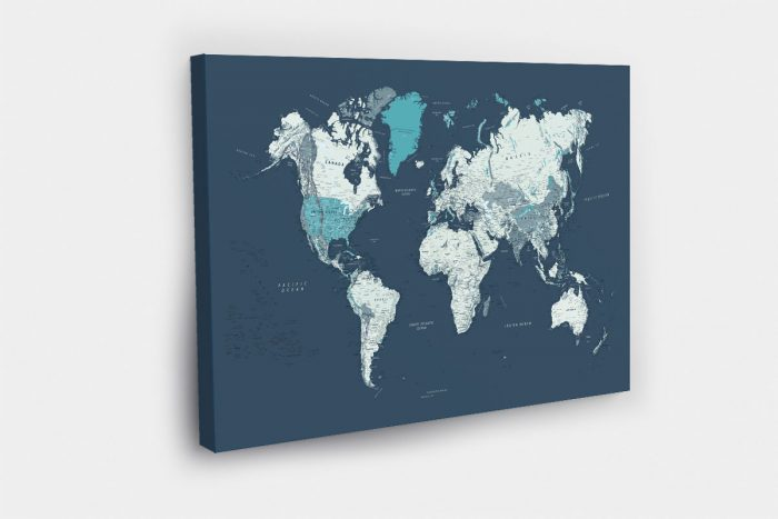 Mėlynas kelionių žemėlapis ant drobės su smeigtukais (DETALUS)